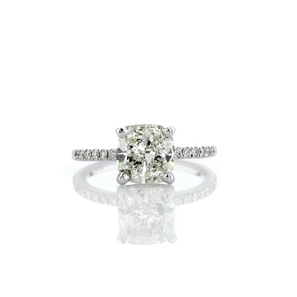 2,51 Carat Riviera Pavé Diamond Engagement Ring