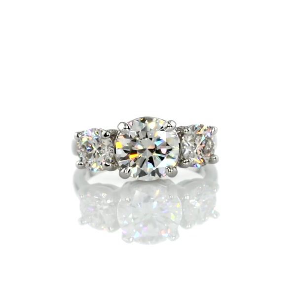 1,8 Carat Classic Three-Stone Diamond Engagement Ring