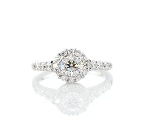 铂金皇冠光环钻石订婚戒指
