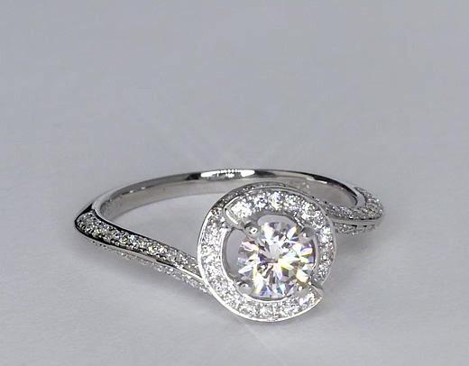 0,5 carat Bague de fiançailles halo de diamants sertis pavé