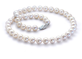 How To Buy Pearls Cultured Pearl Buying Guide Blue Nile