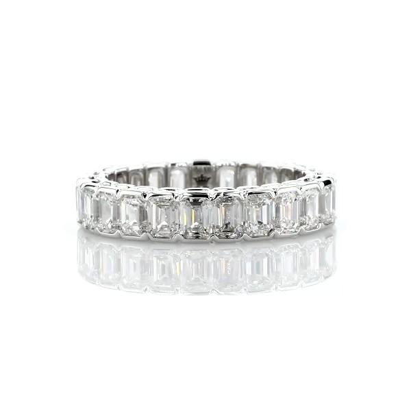 18k 白金半包边镶祖母绿切割钻石永恒戒指(3 3/4 克拉总重量)