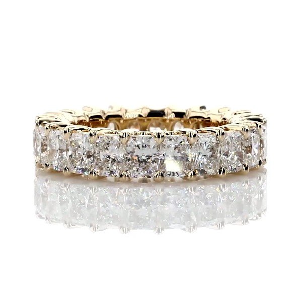 Anillo de eternidad real de diamantes de talla radiante en oro amarillo de 18k G/SI15