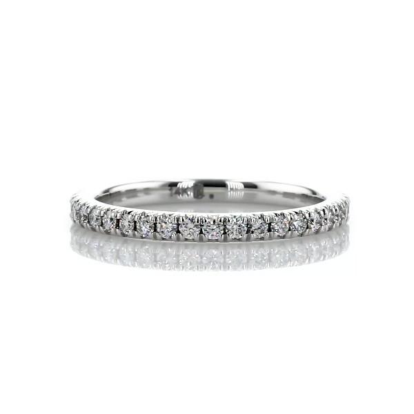 14k 白金法式密釘鑽石永恆戒指(1/2 克拉總重量)