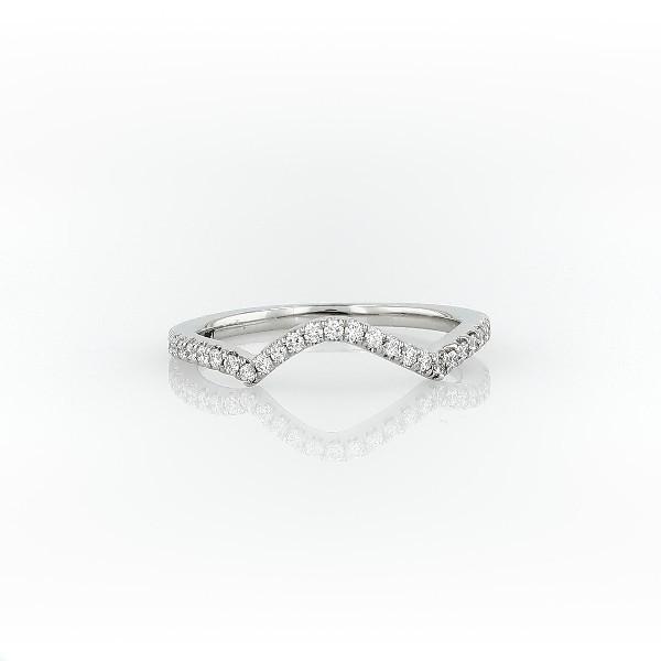 铂金扭纹曲形钻石戒指<br>(1/6 克拉总重量)