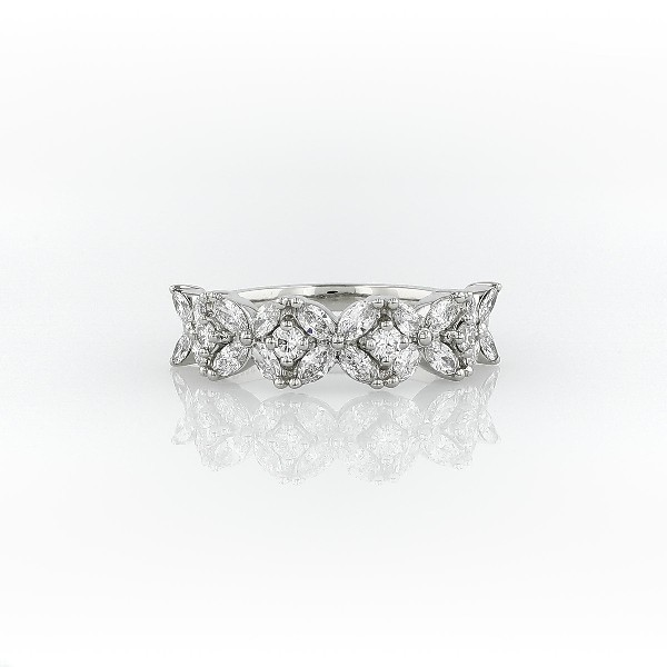 铂金 Monique Lhuillier Cherie 钻石纪念戒指(5/8 克拉总重量)