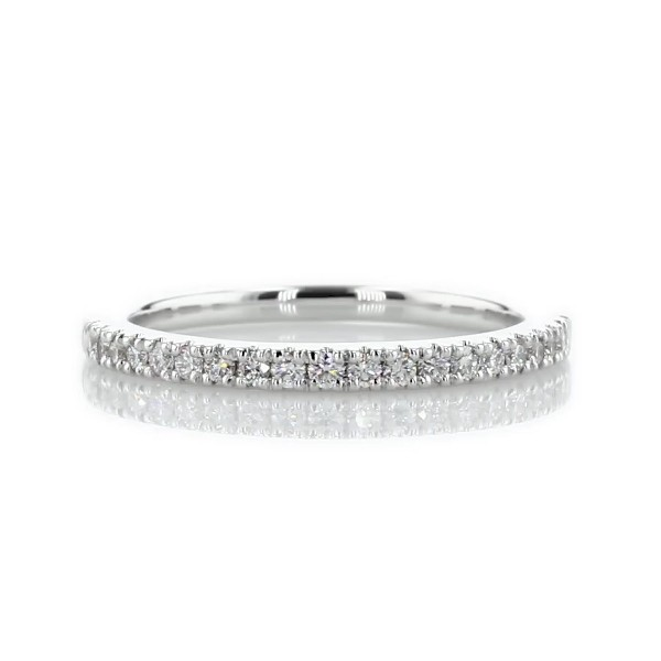 14k 白金密钉钻石结婚戒指(1/5 克拉总重量)
