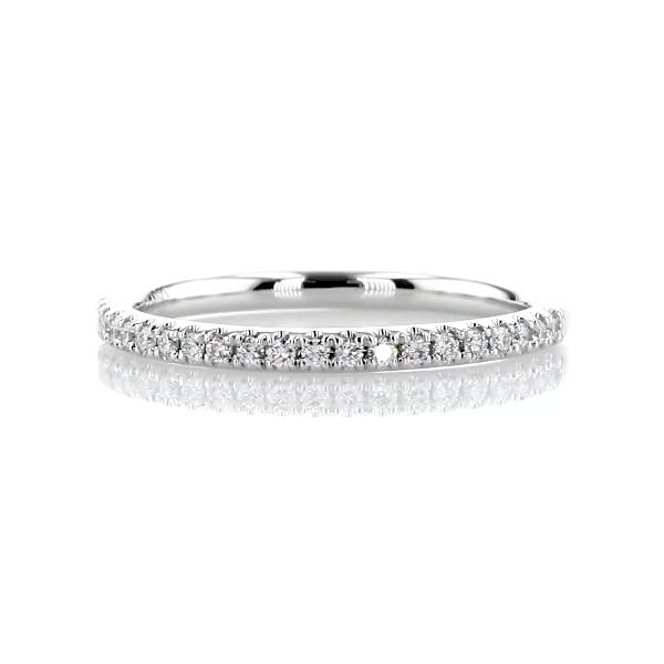 铂金 Riviera 密钉钻石戒指(1/6 克拉总重量)