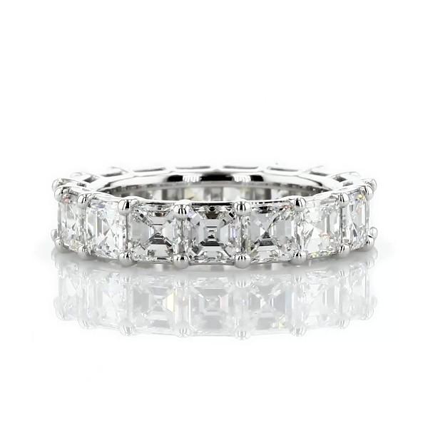 Anillo de eternidad clásico de diamantes de talla Asscher en platino (5 1/2 qt total)
