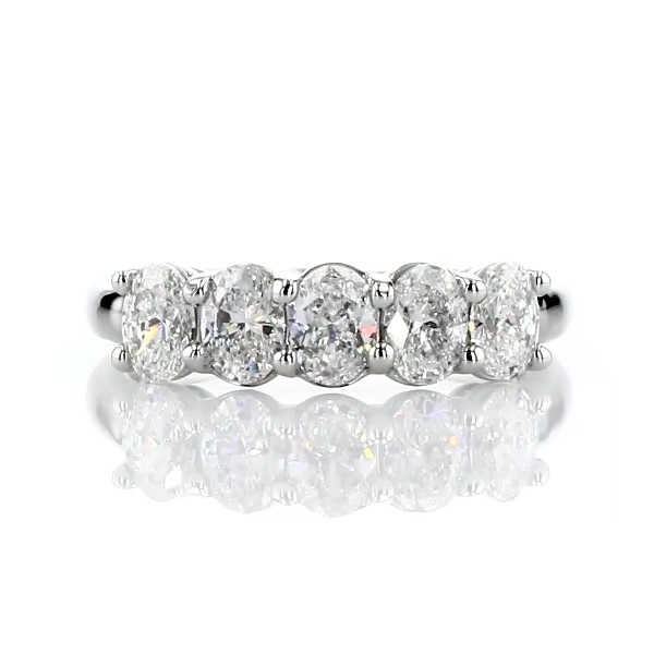 铂金 Gallery Collection™ 五石椭圆形切割钻石戒指<br>(1 克拉总重量)