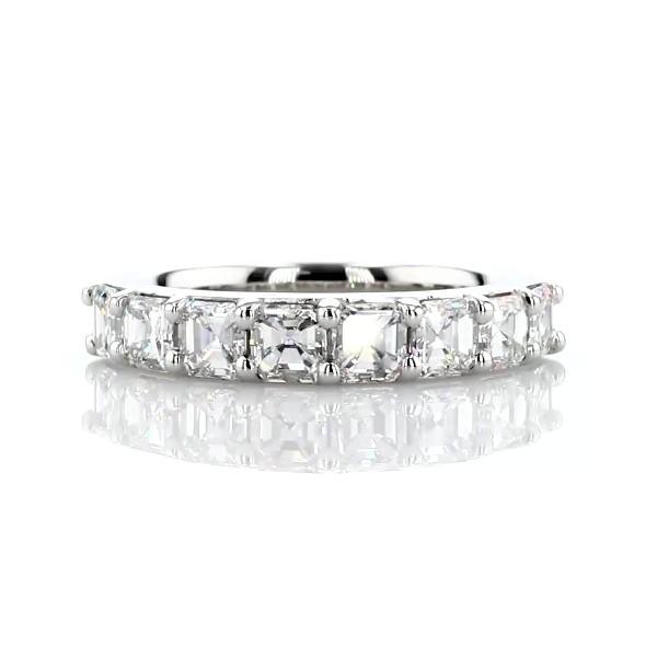 铂金经典阿斯彻形八石钻石戒指<br>(1 1/5 克拉总重量)