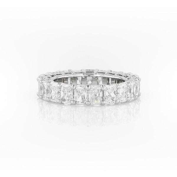 铂金雷迪恩明亮式钻石永恒戒指(6.0 克拉总重量)