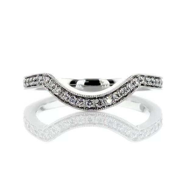 铂金 Monique Lhuillier 锯状滚边曲状钻石戒指