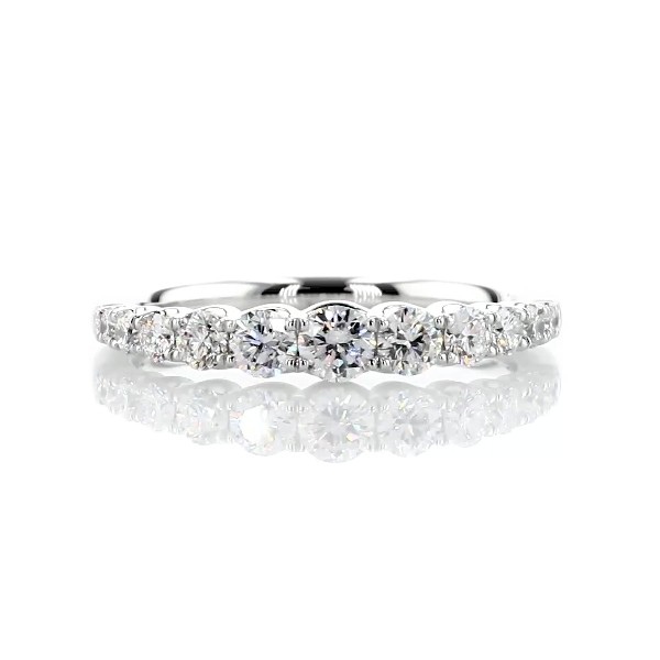 Selene Graduated Diamond Anniversary Ring in 14k White Gold (5/8 ct. tw.)
