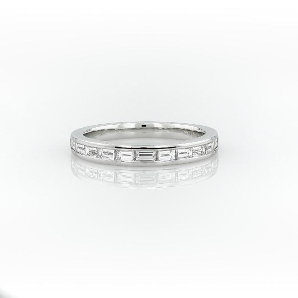 铂金迫镶长方形切割钻石戒指(2/3 克拉总重量)