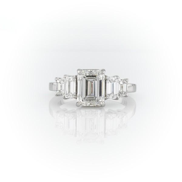 3 克拉铂金五石祖母绿切割钻石订婚戒指