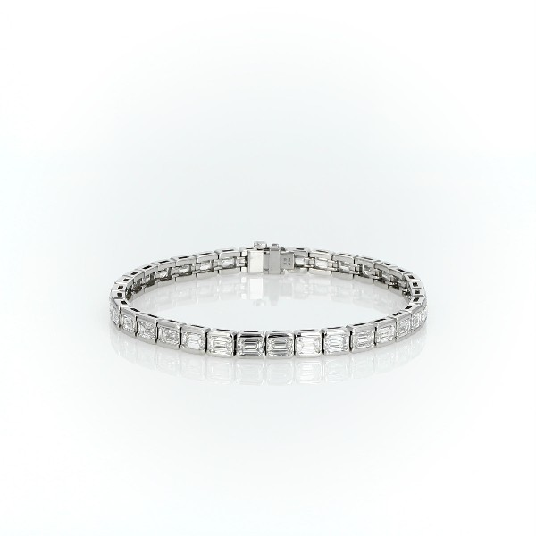 Brazalete de tenis de eternidad con diamantes de talla esmeralda en línea en platino (11,10qt. total)