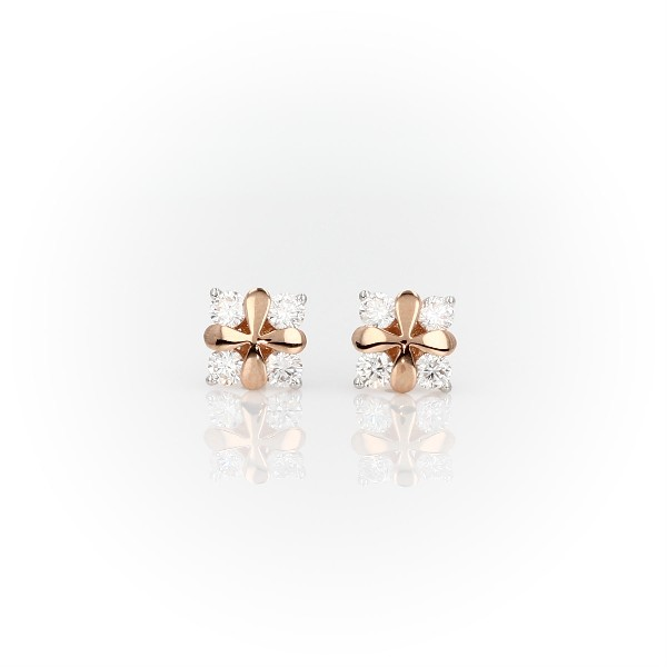 Blue Nile Studio Rose Petal Diamond Stud Earring in 18k Rose Gold (3/8 ct. tw.)