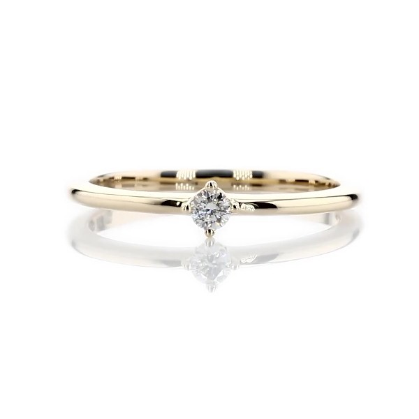 Anillo pequeño y moderno con diamante para apilar en oro amarillo de 14k