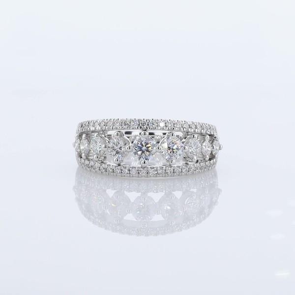 Anillo con triple fila de diamantes graduados en oro blanco de 14 k (1 qt. total)