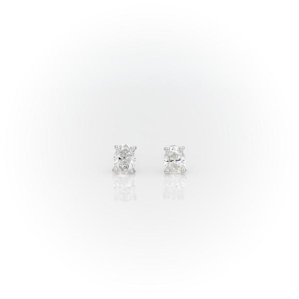 14k 白金橢圓形鑽石釘款耳環(1/3 克拉總重量)