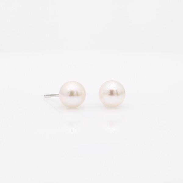Puces d'oreilles de perles de culture d'Akoya classiques en or blanc 18carats (6-6,5mm)