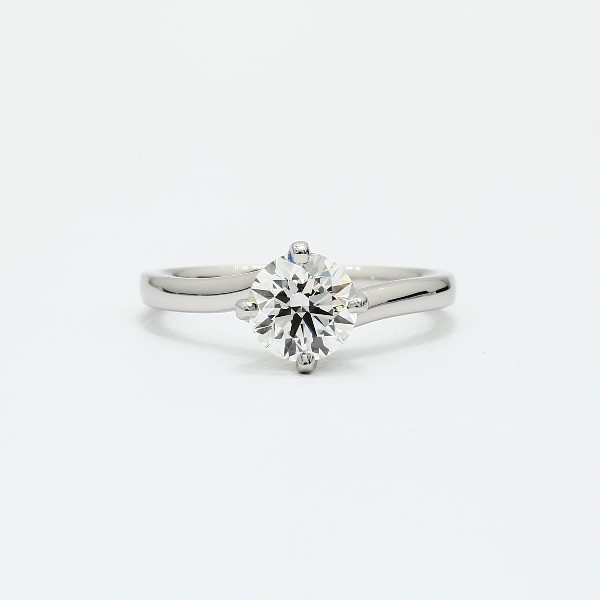 Zac Posen Truly Zac Posen East-West Solitaire Engagement Ring in Platinum eeLP4