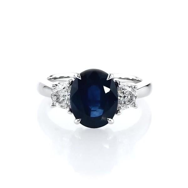 铂金椭圆形蓝宝石钻石戒指(10x8毫米)
