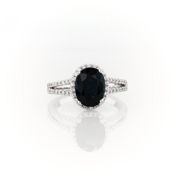 18k 白金分叉戒環橢圓藍寶石與鑽石光環戒指(9x7毫米)