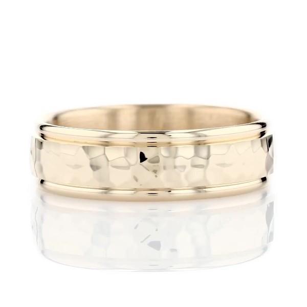 14k 金锤制嵌条结婚戒指(6.5毫米)