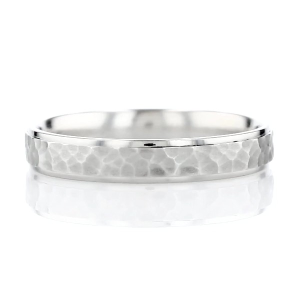 High Polish Hammered Wedding Ring in Platinum (4mm)