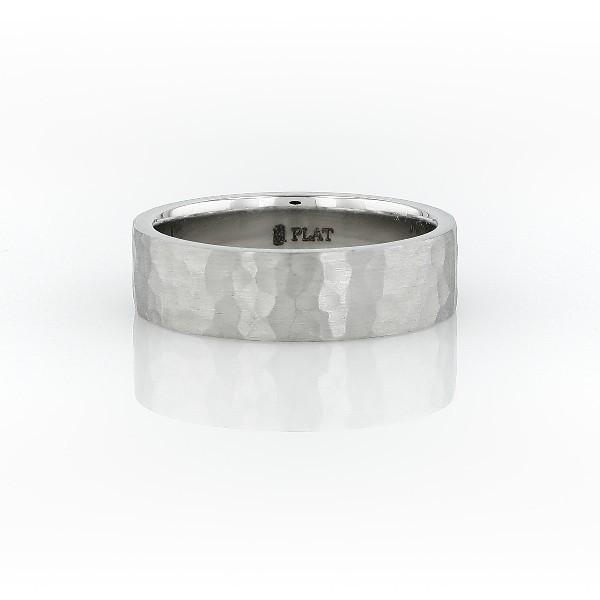 铂金哑光锤打式内圈卜身设计扁平结婚戒指(6毫米)