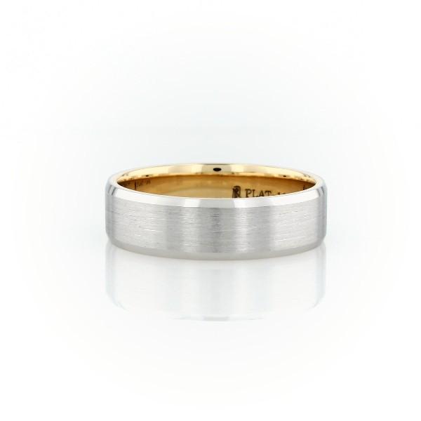 铂金与 18K 黄金哑光斜边结婚戒指<br>(6毫米)